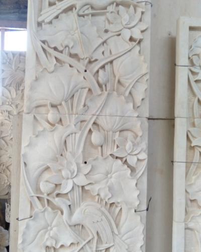 Relief Lotus sebagai hiasan Dinding Rumah