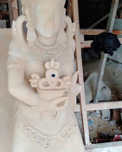 Patung Air Mancur Kolam
