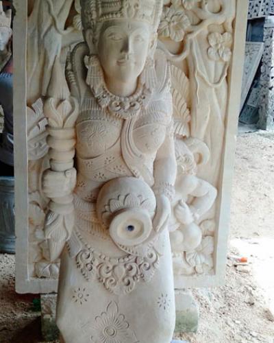 Patung Pancuran Kolam