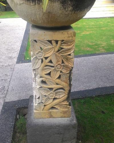 Gorong gorong motif daun
