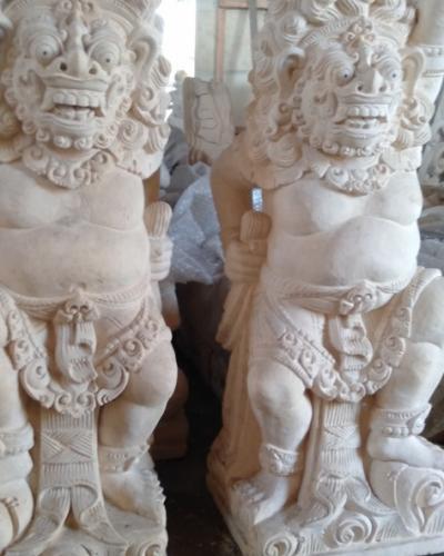 Patung Hiasan Rumah Bali Motif Raksasa