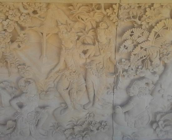 Dinding Rumah Mewah Motif Ramayana