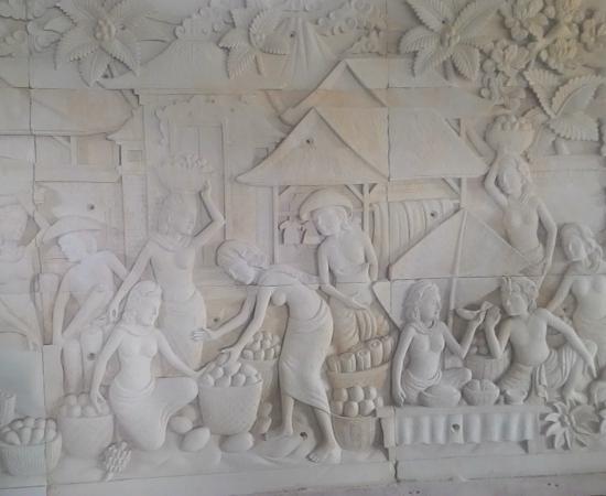 Dekorasi Relief Pasar