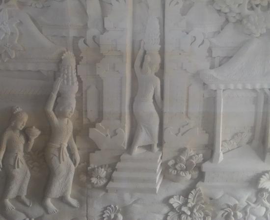 Dekorasi Dinding Rumah motif Tradisi Bali