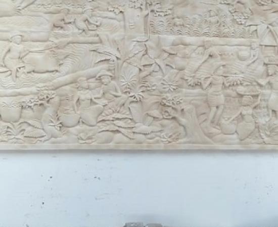 Relief Dinding Taman Motif Tradisi