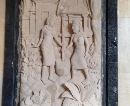 Relief Ukiran Batu Paras Motif Tradisi