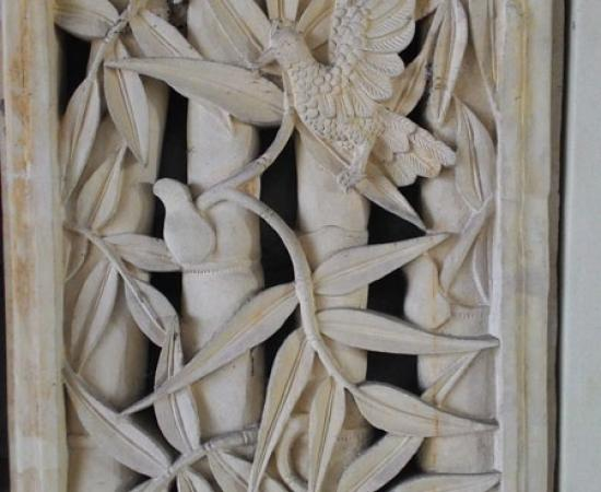 Relief bambu dan burung