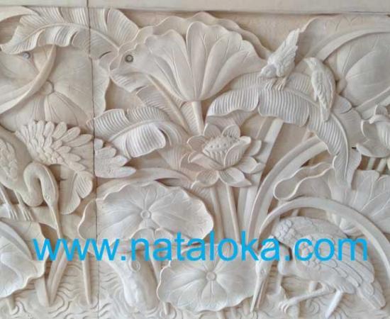 Relief Dinding Taman Motif Lotus dan Burung