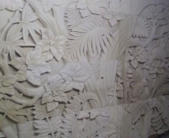 Relief pepohonan