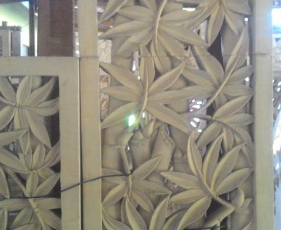 Relief ukiran bambu