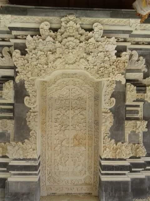 Dekorasi Relief Rumah Mewah