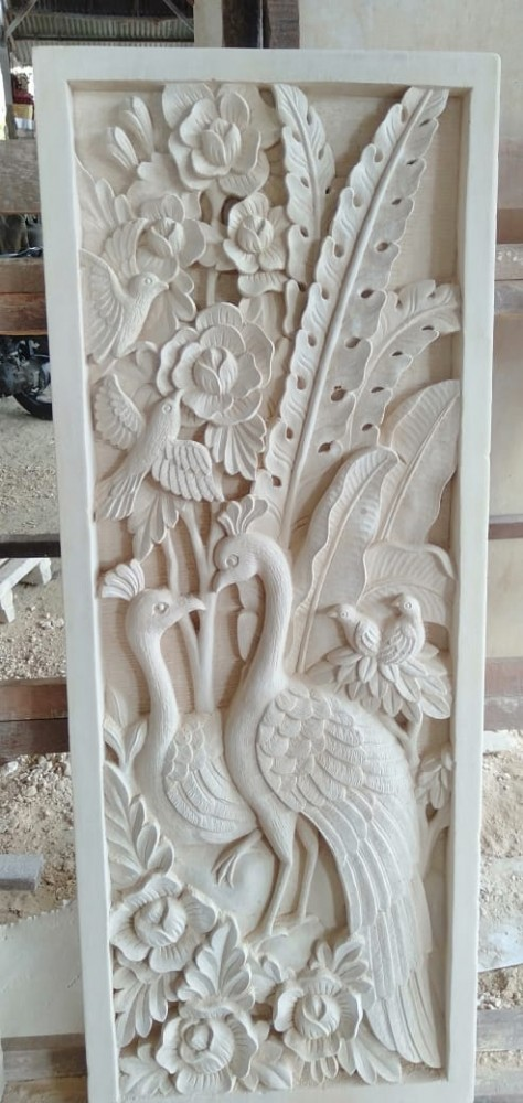 Hiasan Dinding Relief Motif Merak