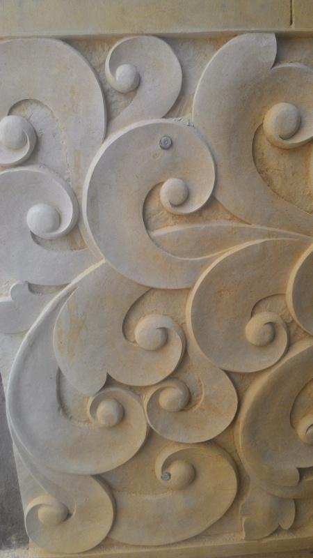Harga releif dinding rumah motif tribal.