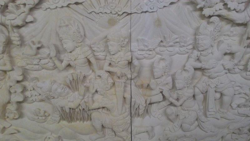 Harga relief paras joja motif cerita mahabarata.