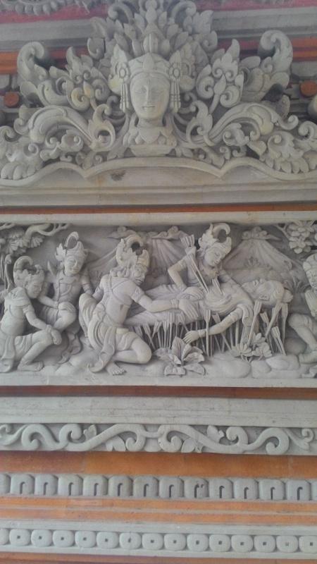 Relief Dinding Rumah Mewah motif Mahabarata