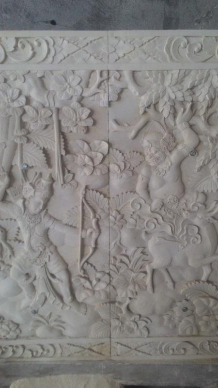 Relief Dinding Rumah Mewah Motif Pewayangan
