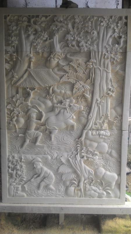 Relief Dinding Rumah Mewah Motif Tradisi