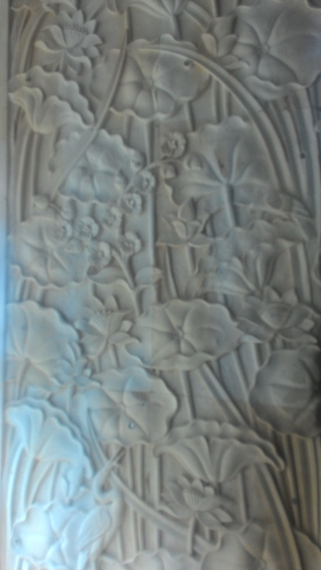 Relief dinding rumah mewah motif Lotus