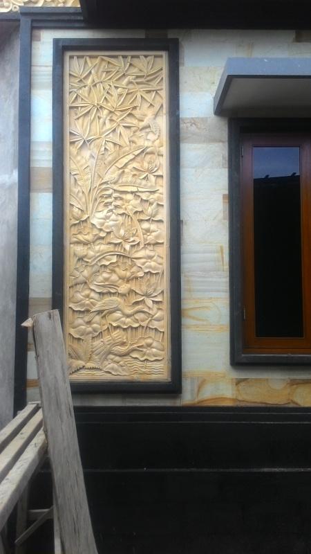 Relief Dinding Rumah Motif Lotus