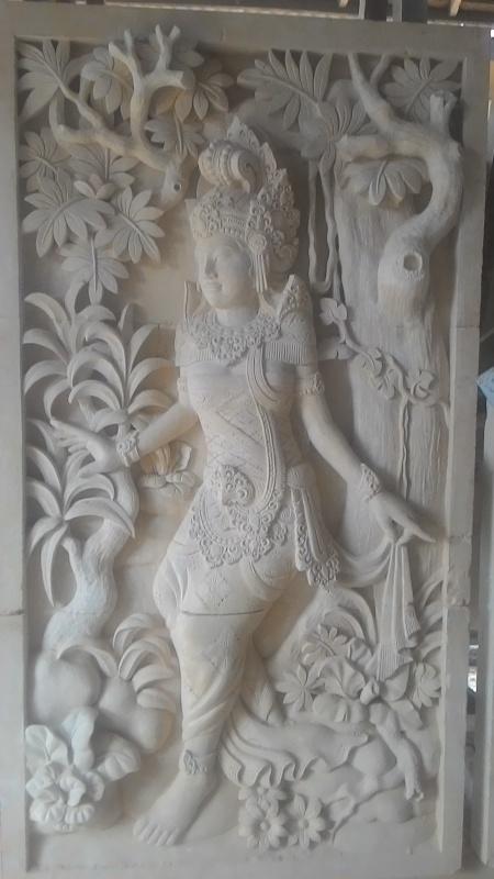 Dekorasi Relief Rumah motif Dewi Sintha