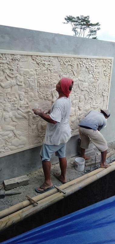 Relief Batu Alam Motif Rajapala