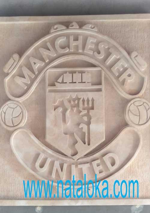 Jual Seni Ukir Batu Alam Paras Jogja Motif Logo Manchester United
