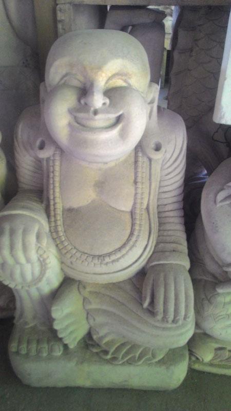 Patung tertawa