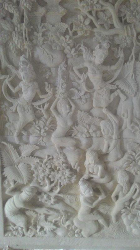 Relief bidadari
