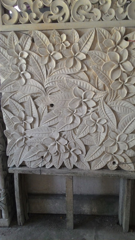 Relief bunga bali