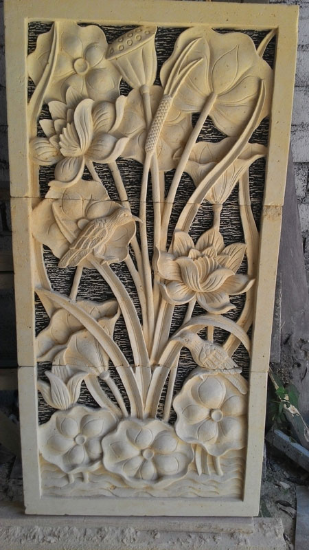 Relief bunga dan burung
