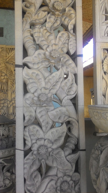 Relief bunga ukiran