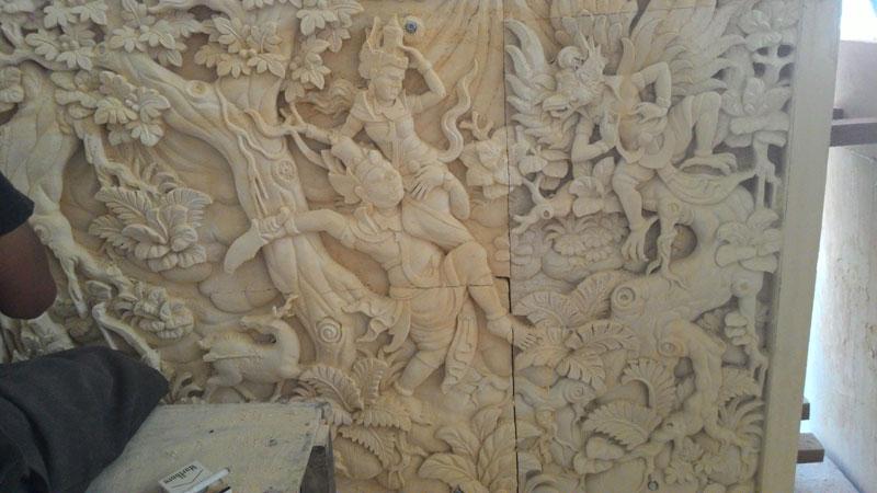 Relief cerita kerajaan
