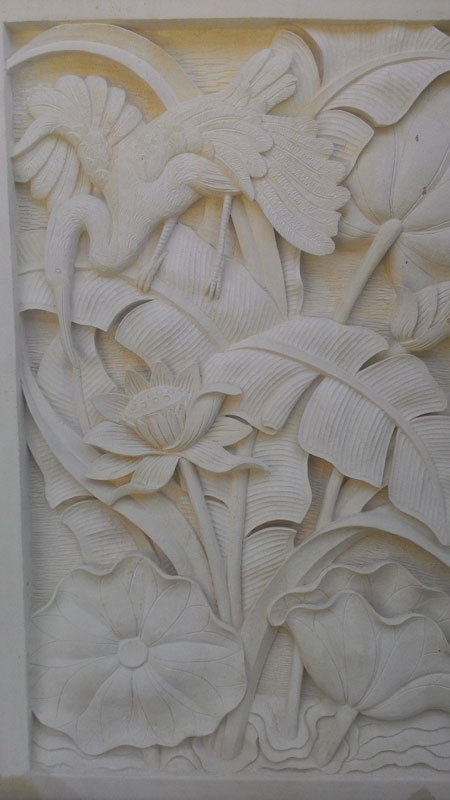 Relief motif bangau