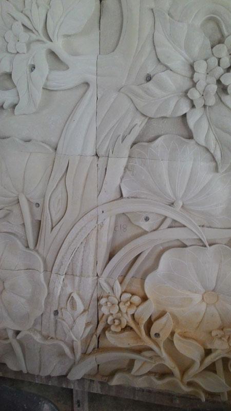Relief pohon tua